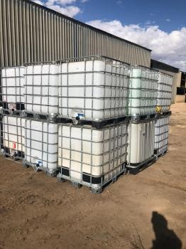 Depositos con capacidad 1000 litros con grifo