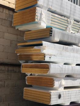 Panel sándwich de cubierta y fachada al corte